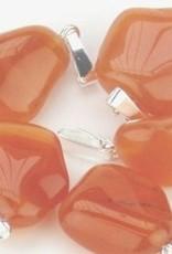 Cornaline avec pendentif argenté, fermeture Cartier et sac cadeau