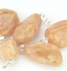Calcite arancio con ciondolo in argento, chiusura Cartier e sacchetto regalo