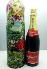 Babushka med flaske champagne.