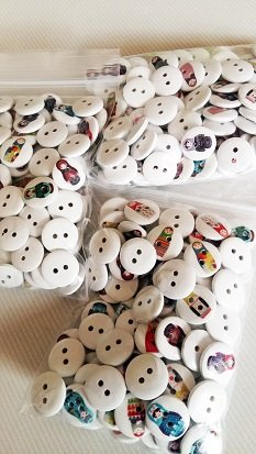 6 roupas bonecas do matryoshka botões 10-15 mm motivos mistos cm
