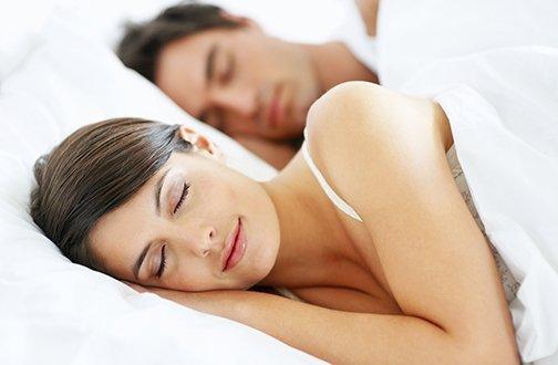 Met oordopjes slapen, voor een goede nachtrust!