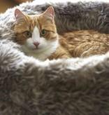 MiaCara Lana en Sherpa Cat Donut Bed (dogs allowed ;-)