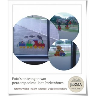Raam-, Wand decoratiesticker Beertje met treintje. kinderkamer raamdecoratie babykamer wanddecoratie sticker.