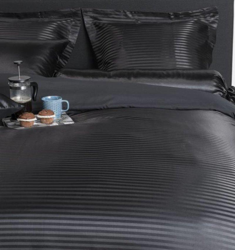 Nightlife Silk Dekbedovertrek Satin Stripe Zwart