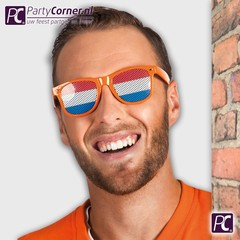 Oranje bril met rood wit blauw bril glazen
