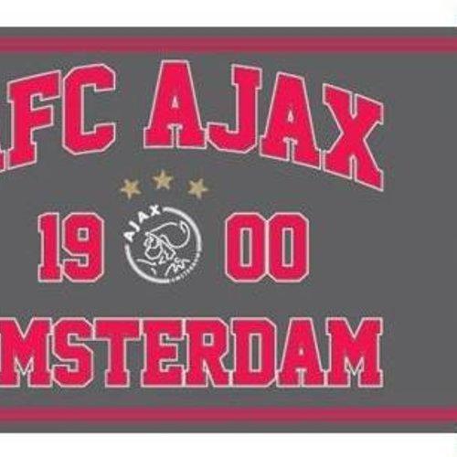Ajax sjaals en vlaggen