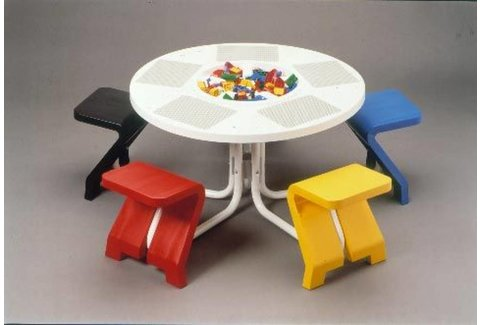 5-zits Speeltafel met 5 vaste stoeltjes (gebruikt)