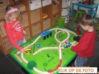 spelletjestafel kinderspeelkamer
