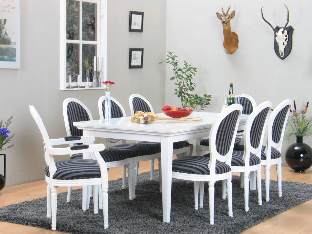 Landelijke witte eetkamer Venetie + acht barok stoelen Rococo