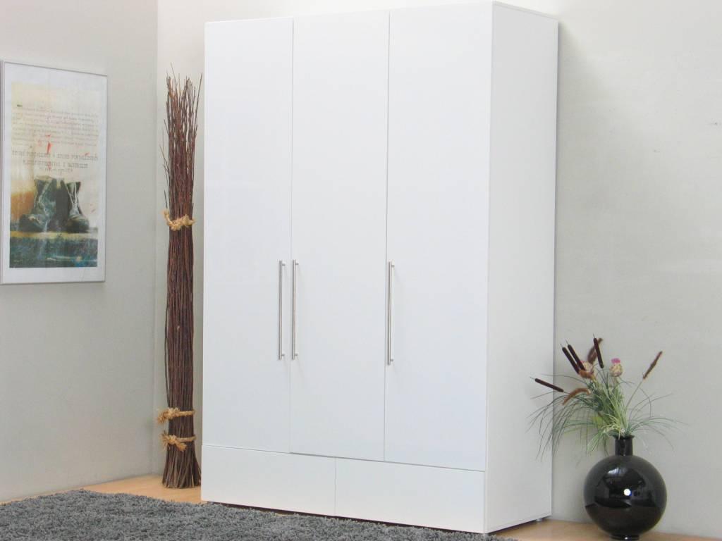 Witte keuken fris en ruimtelijk satink zwolle witte matte tegel