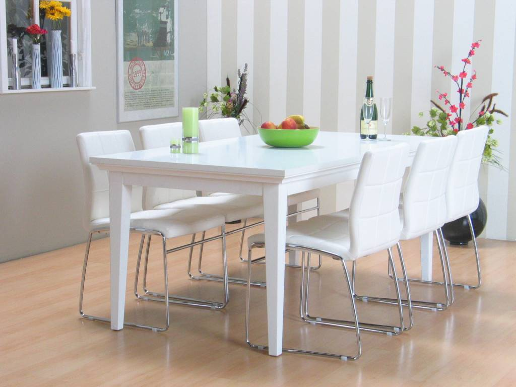 Venetië eetkamer met 6 witte stoelen Cube