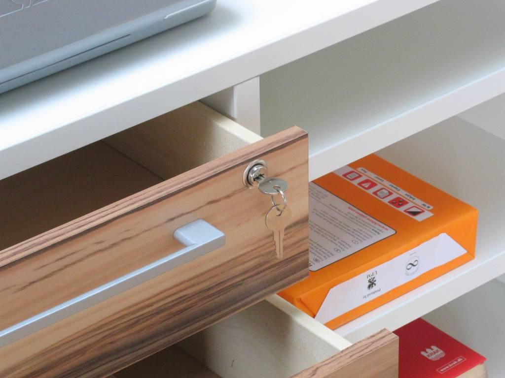 Tvilum bureau wit hoogglans prima met ladeblok en legplanken ...