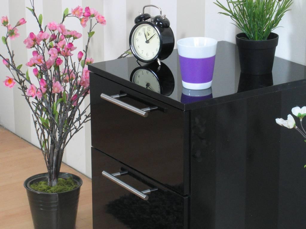 Infiniti zwarte en witte hoogglans meubels slaapkamer en woonkamer