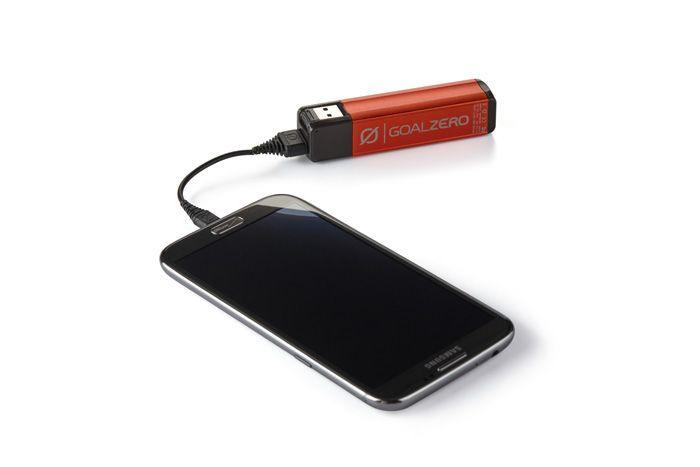 GOAL ZERO Goal Zero Flip 10 Recharger Brushfire Red