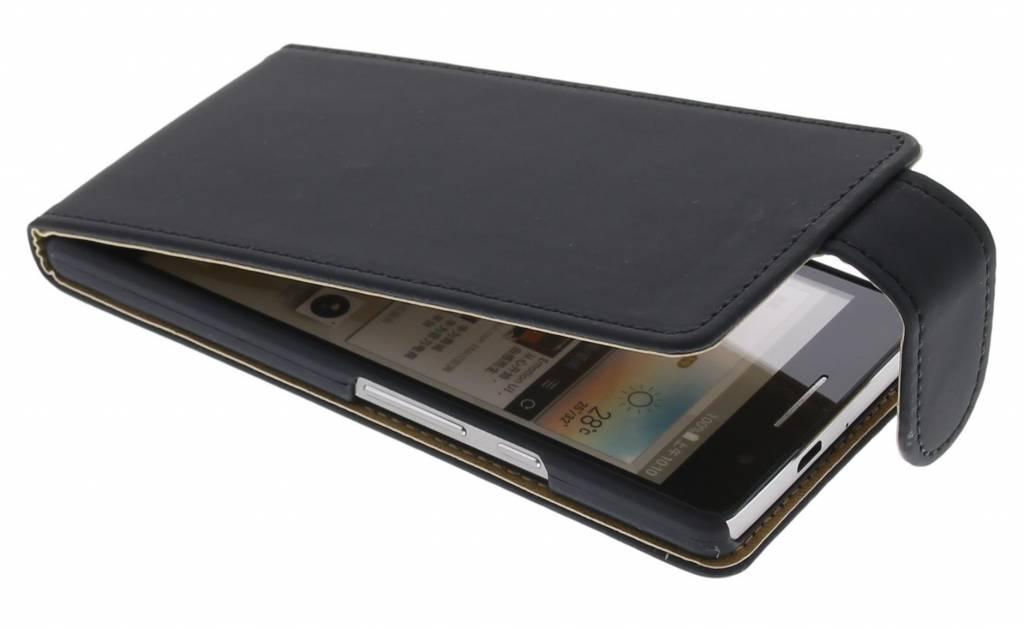 Zwart classic flipcase voor de Huawei Ascend P6 / P6s