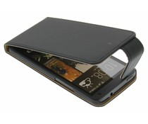 Zwart classic flipcase HTC One