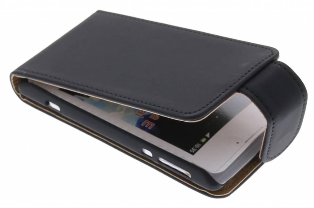 Zwarte classic flipcase voor de Sony Xperia E