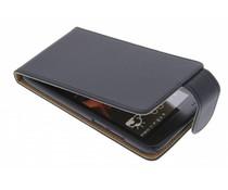 Zwart classic flipcase HTC Desire 601