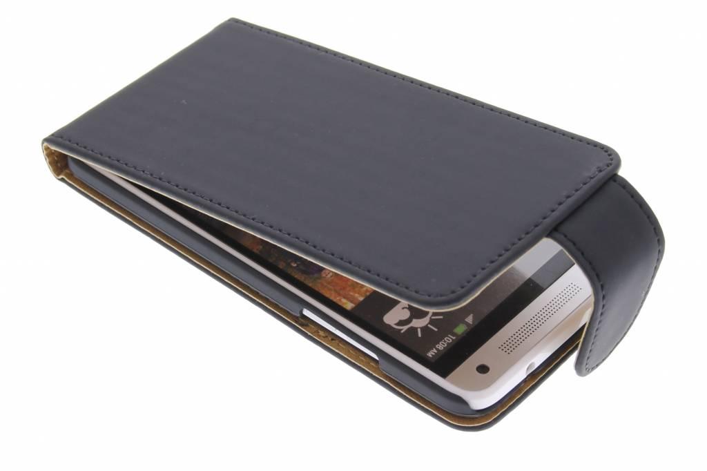 Zwarte classic flipcase voor de HTC One Mini