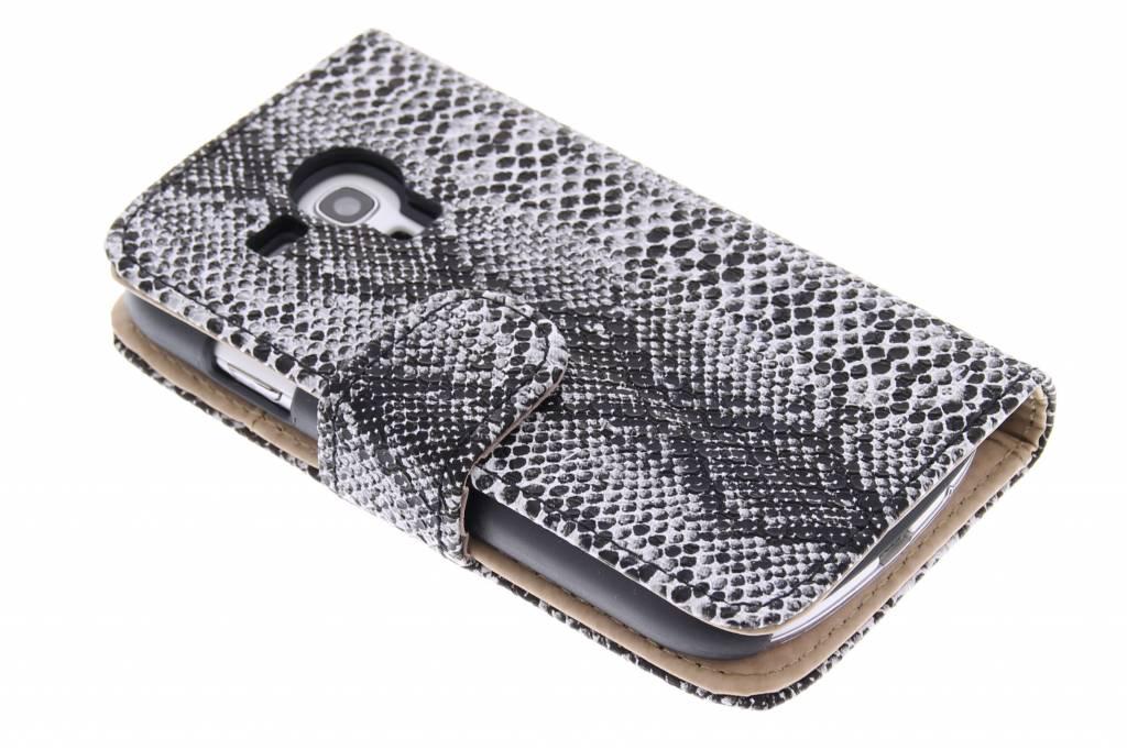 Grijze slangenprint booktype hoes voor de Samsung Galaxy S3 Mini