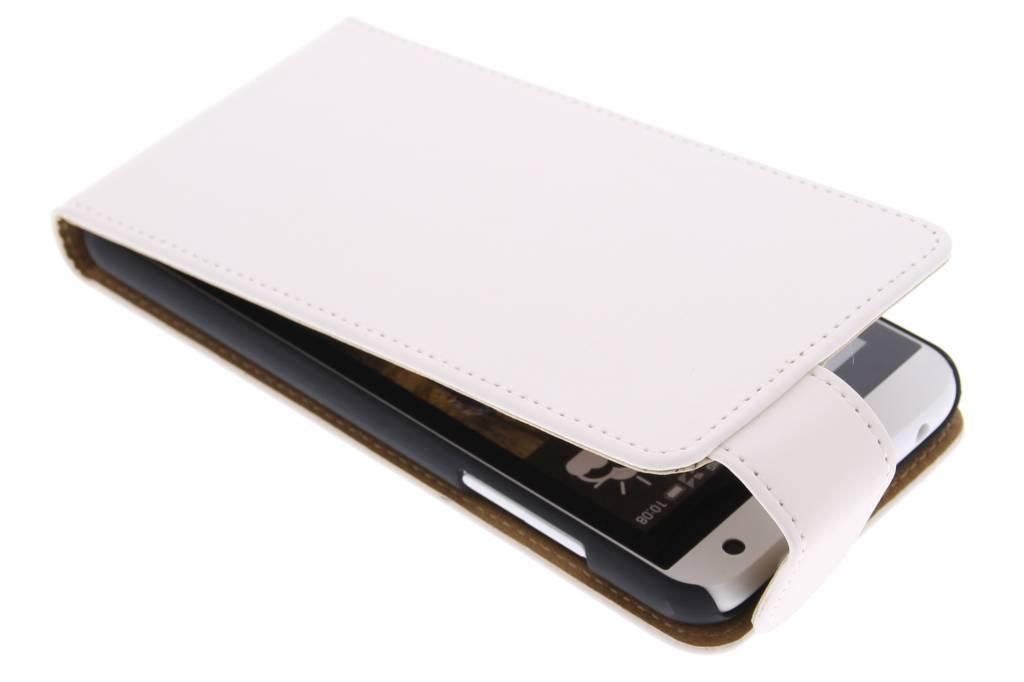 Witte classic flipcase voor de HTC Desire 610