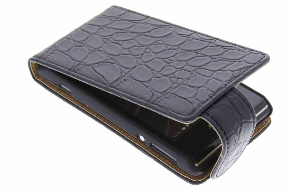 Zwarte krokodil flipcase voor de Sony Xperia E