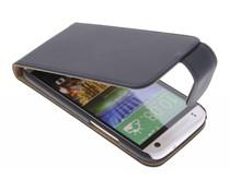 Zwart classic flipcase HTC One Mini 2