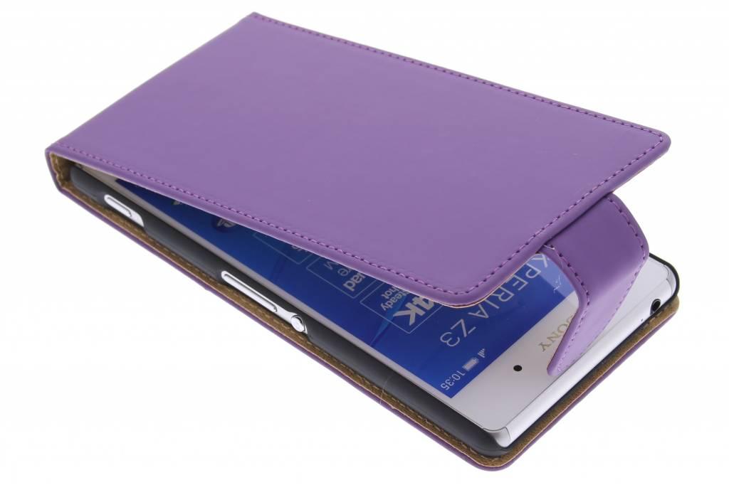 Paarse classic flipcase voor de Sony Xperia Z3