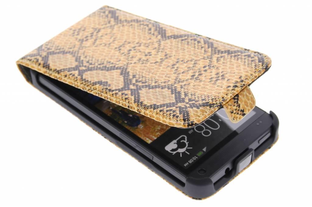 Cognac slangenprint flipcase voor de HTC One