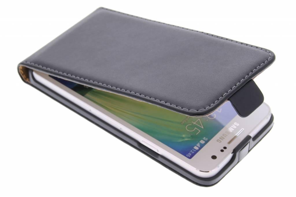 Zwarte luxe flipcase voor de Samsung Galaxy A3