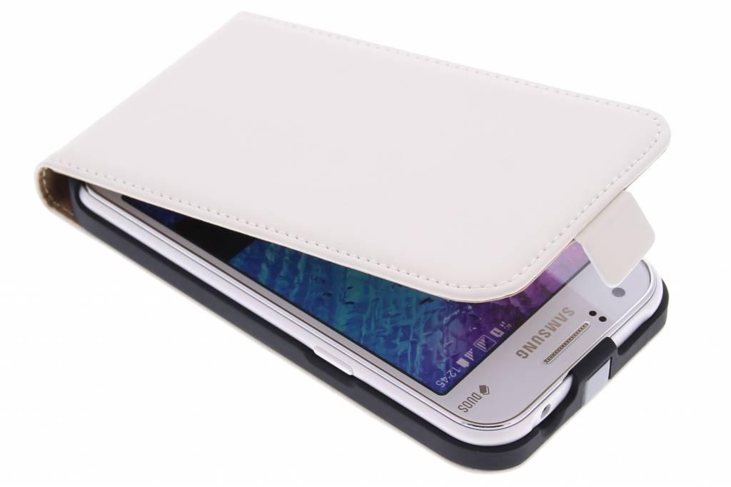 Mobiparts Premium Flipcase voor de Samsung Galaxy J1 - White