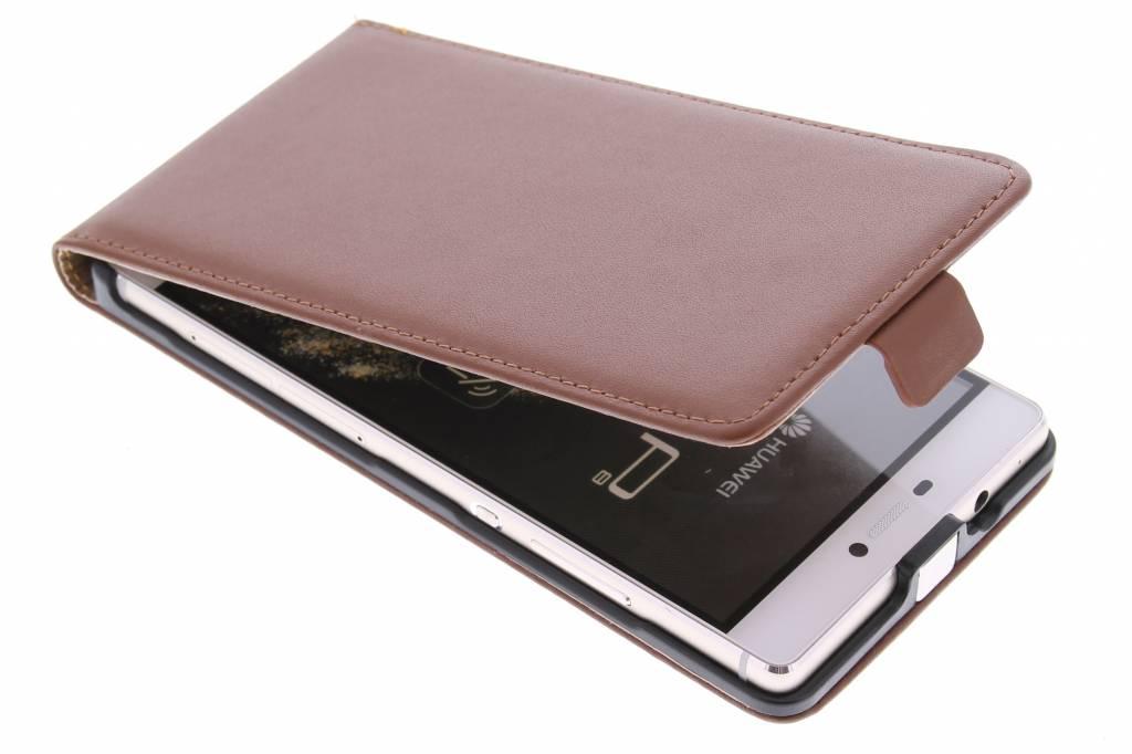 Bruine luxe flipcase voor de Huawei P8
