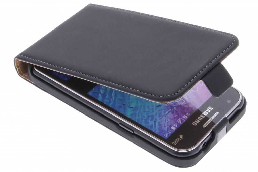 Mobiparts Premium Flipcase voor de Samsung Galaxy J1 - Black