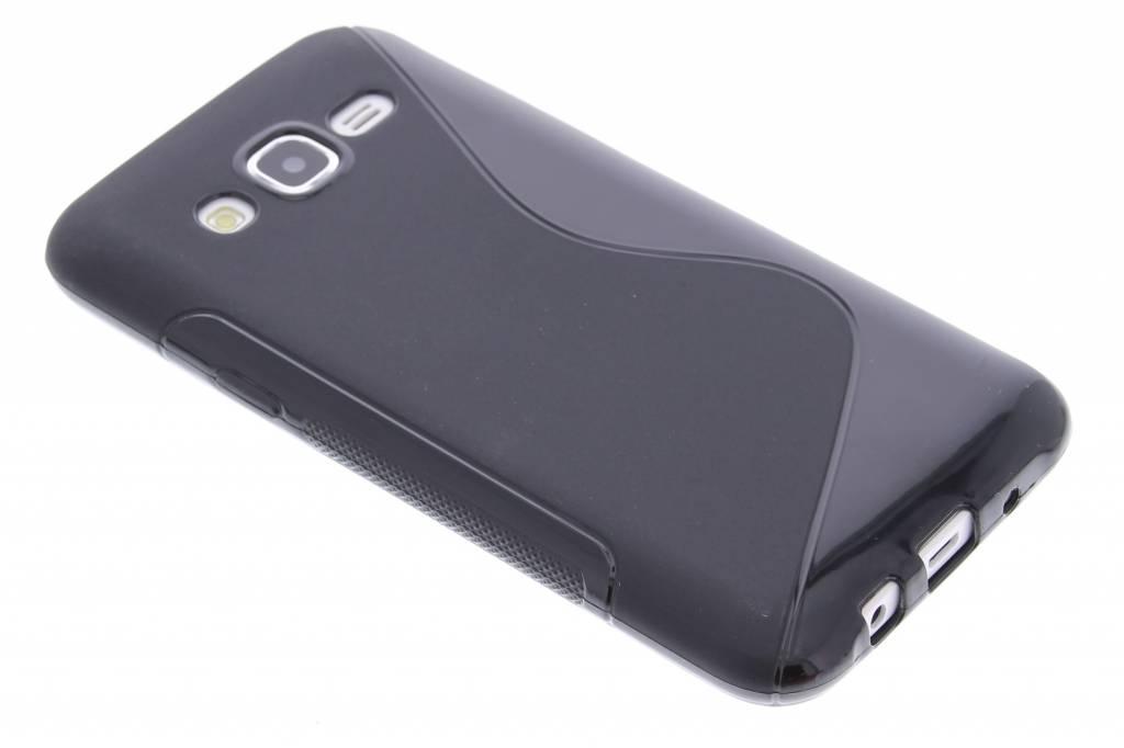 Zwart S-line TPU hoesje voor de Samsung Galaxy J5