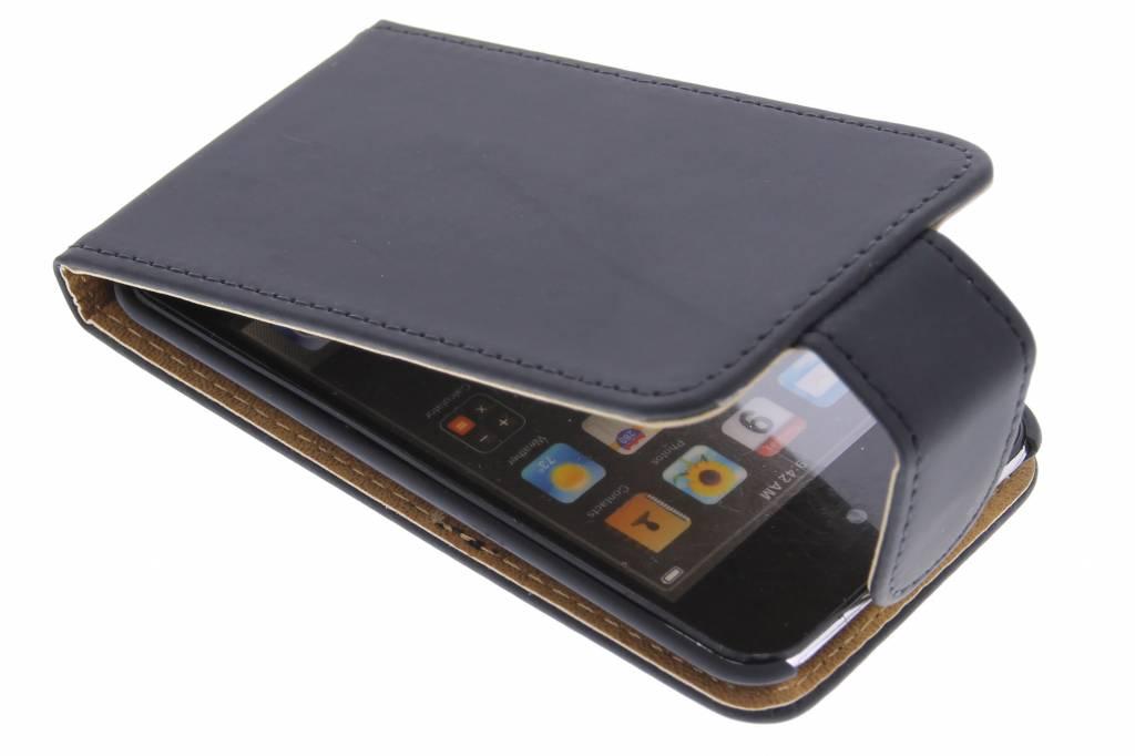 Zwarte classic flipcase voor de iPod Touch 4g