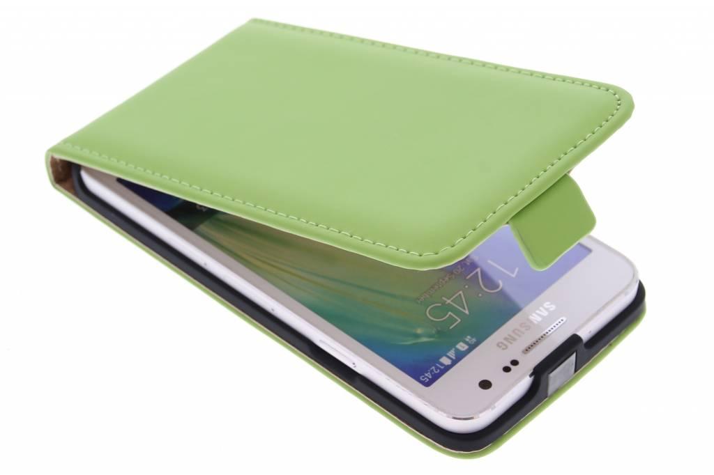 Selencia Luxe Flipcase voor de Samsung Galaxy A3 - Groen