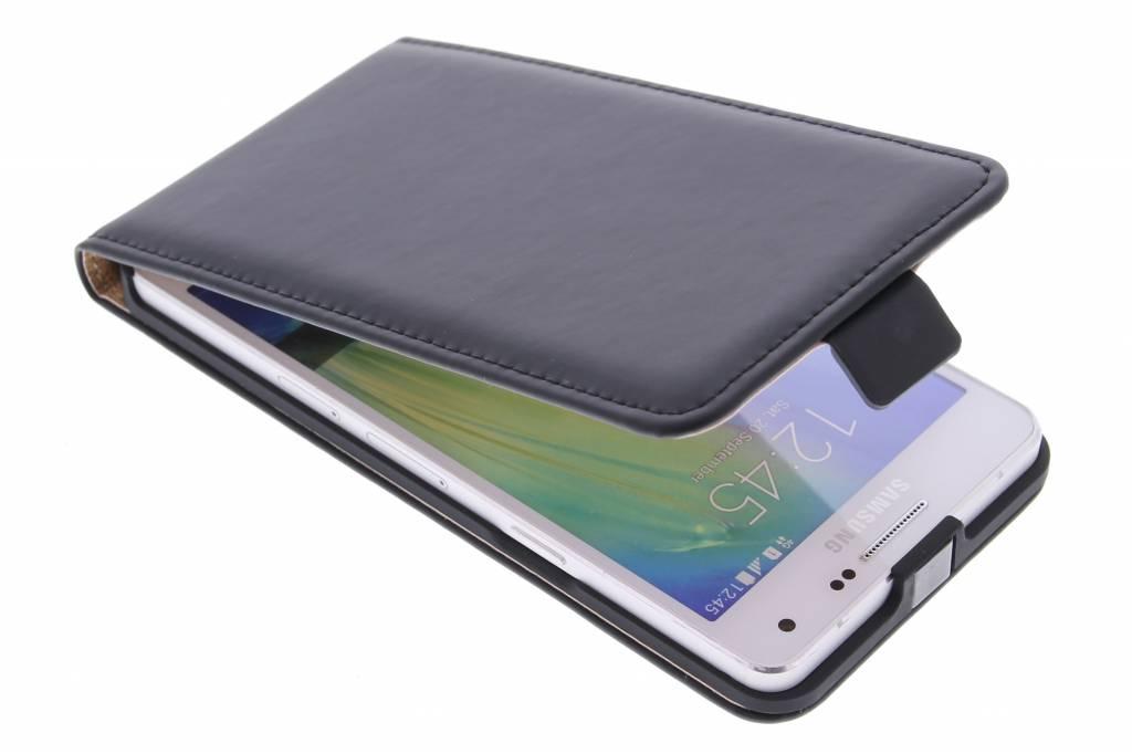Selencia Luxe Flipcase voor de Samsung Galaxy A5 - Zwart