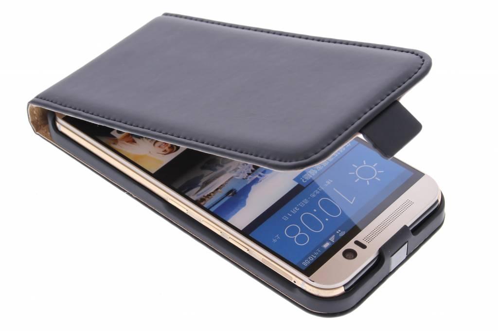 Selencia Luxe Flipcase voor de HTC One M9 - Zwart