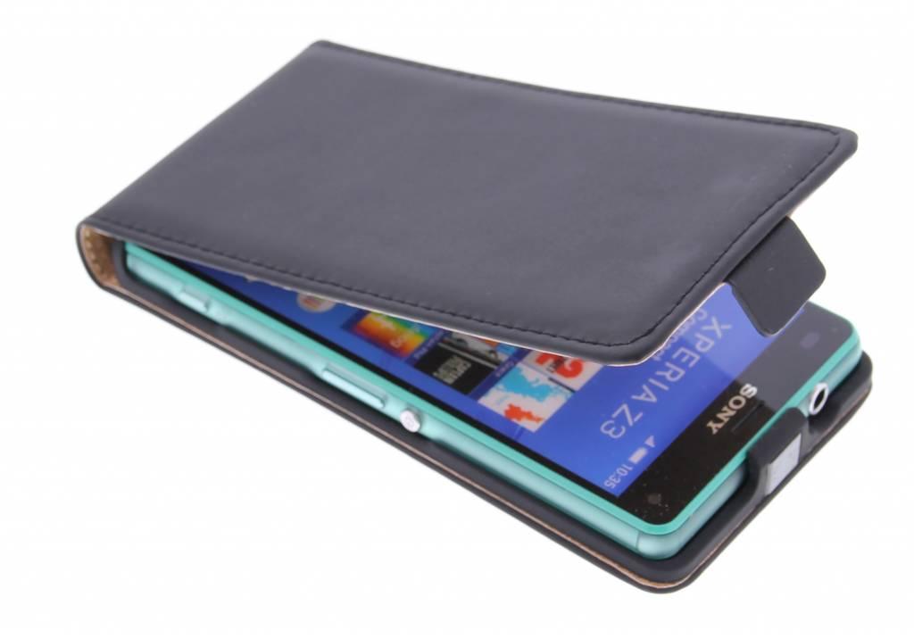 Selencia Luxe Flipcase voor de Sony Xperia Z3 Compact - Zwart