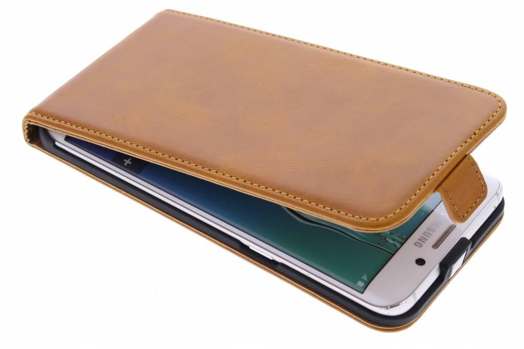 Selencia Luxe lederen Flipcase voor de Samsung Galaxy S6 Edge Plus - Oker