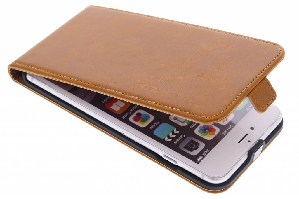 Selencia Luxe lederen Flipcase voor de iPhone 6(s) Plus - Oker