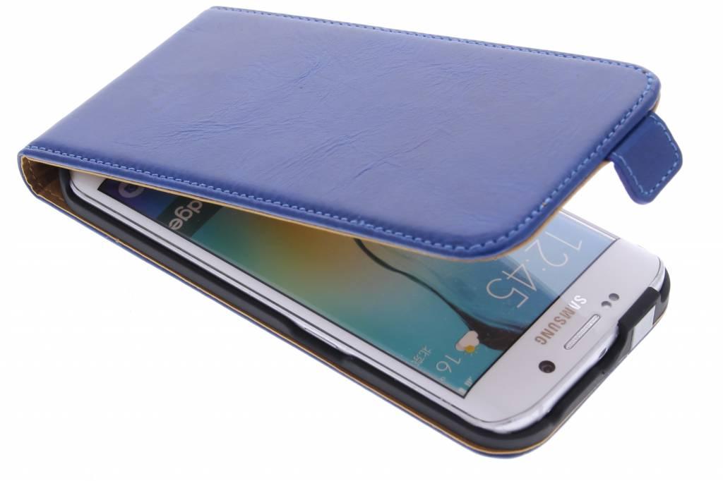 Selencia Luxe lederen Flipcase voor de Samsung Galaxy S6 Edge - Blauw