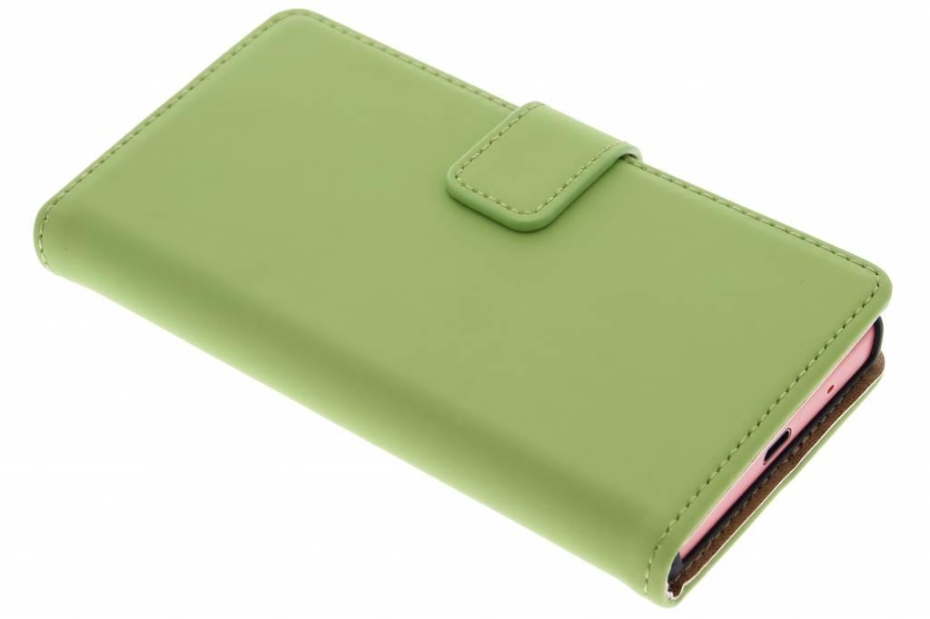 Selencia Luxe Book Case voor de Sony Xperia Z5 Compact - Groen