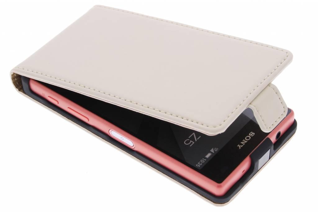 Selencia Luxe Flipcase voor de Sony Xperia Z5 Compact - Gebroken Wit