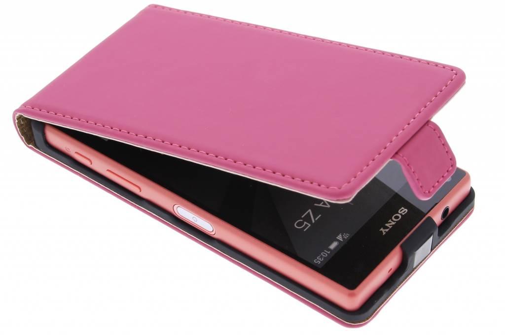 Selencia Luxe Flipcase voor de Sony Xperia Z5 Compact - Fuchsia