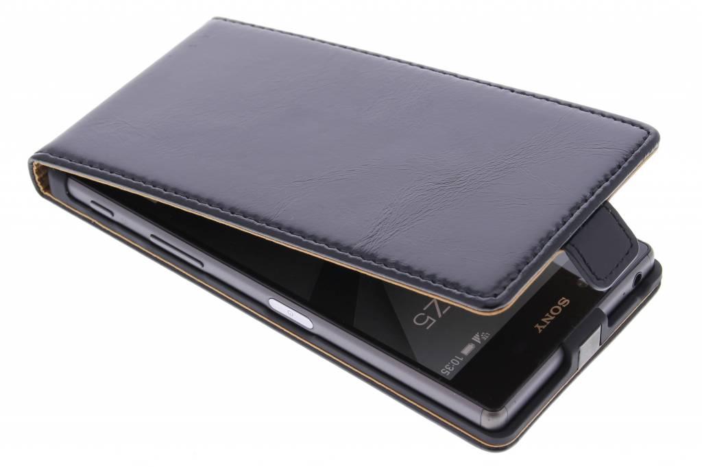 Selencia Luxe lederen Flipcase voor de Sony Xperia Z5 - Zwart