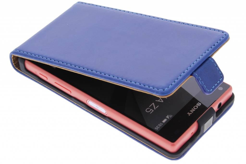Selencia Luxe Lederen Flipcase voor de Sony Xperia Z5 Compact - Blauw