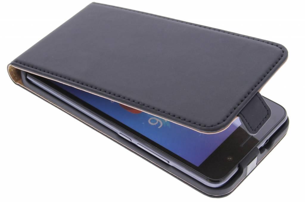 Selencia Luxe Flipcase voor de Huawei Y6 - Zwart