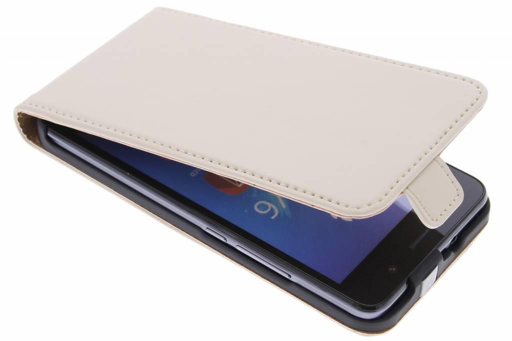 Selencia Luxe Flipcase voor de Huawei Y6 - Gebroken Wit