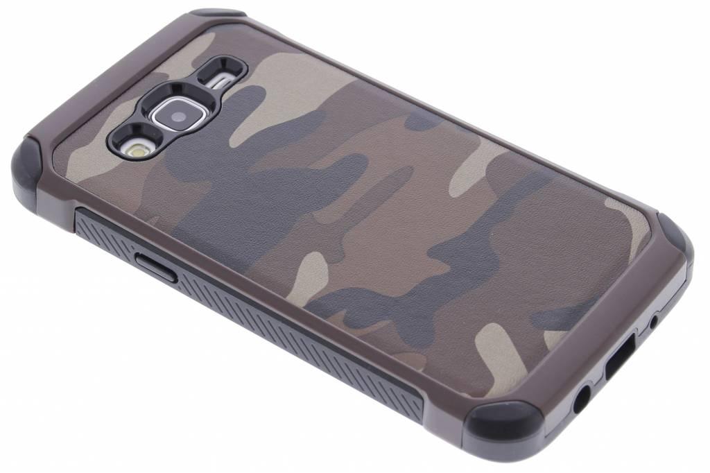 Bruin army defender hardcase hoesje voor de Samsung Galaxy J5